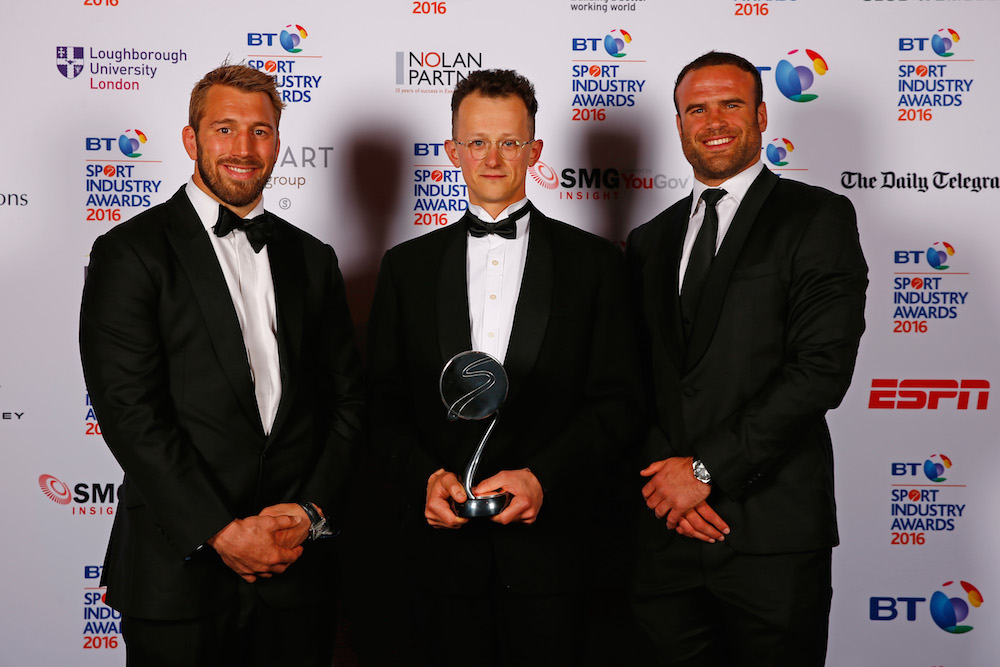 Chris Robshaw and Jamie Roberts present the Community Programme of the Year award in association with the Supporters Club to GoodGym