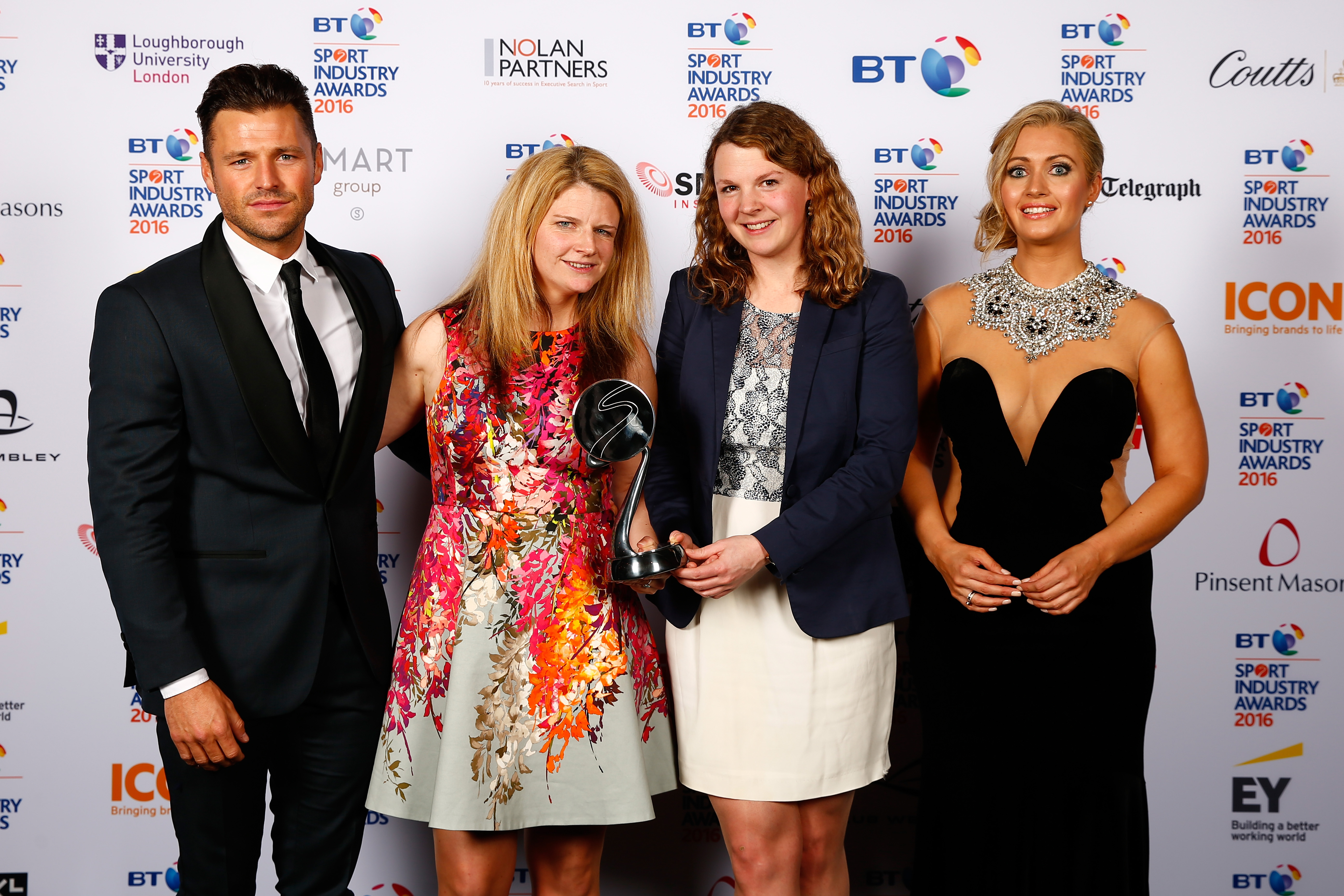 Mark Wright and Hayley McQueen present the Best Use of Social Media award to AELTC Wimbledon 2015: Sharing the Moments that Matter